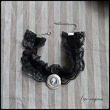 Náhrdelníky - Gotický obojok s medailónikom - 8450817_