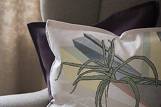 Úžitkový textil - Ručne maľovaná obliečka na vankúš PRALA aloe - 8451791_