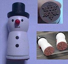 Pomôcky/Nástroje - Drevené razítko Snehuliak so snehovou vločkou - 8457163_