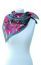 Šatky - Hodvábna šatka s kvetmi - Ružové ľalie - 8458775_
