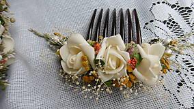 Dekorácie - Svadobná kytica, pierko a hrebienok - 8458017_