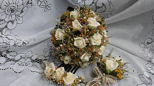 Svadobná kytica, pierko a hrebienok
