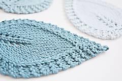 Pletené podložky lístky - modré