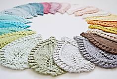 Úžitkový textil - Pletené podložky lístky - modré - 8459574_