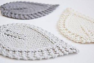 Úžitkový textil - Pletené podložky lístky - sivé - 8459540_