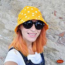 Čiapky - lehký žlutý klobouk s puntíky Pampalíny - 8462782_