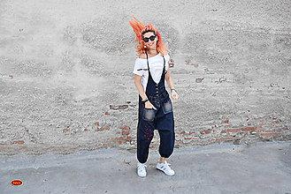 Nohavice - tmavé turecké džíny na šráky s potiskem - 8463030_