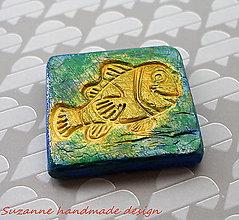 Drobnosti - keramická magnetka zlatá rybka - 8464721_