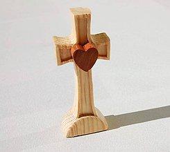Socha - Malý krížik so srdiečkom - 8469633_