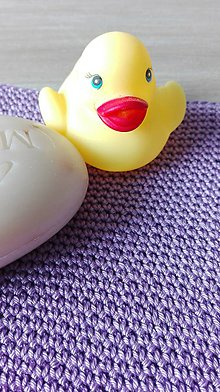 Úžitkový textil - Háčkovaná rukavica do sprchy a na kúpanie - lila - 8470796_