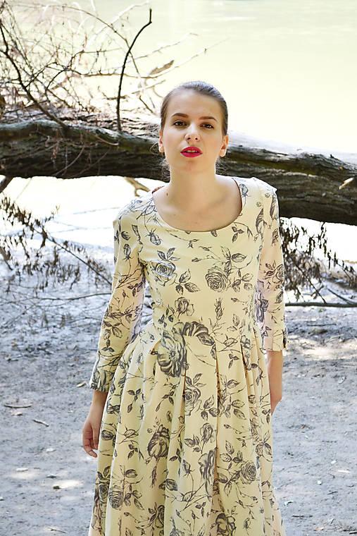 c0e16d59a0ec Dlhé bavlnené maxi šaty plné ťahavých ruží   VivienMihalish - SAShE ...