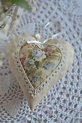 Dekorácie - Veľké srdiečko s ružičkami - 8473388_