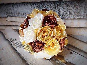 Kytice pre nevestu - Saténová kytica ruží s čokoládou menšia - 8475527_