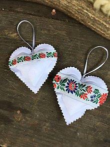 Darčeky pre svadobčanov - Závesné folk srdiečka - 8475422_