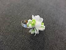 Prstene - bílý květinový prstýnek - 8481591_