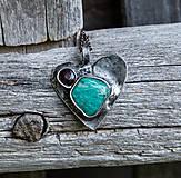 Amazonit a granát v srdiečku - náhrdelník