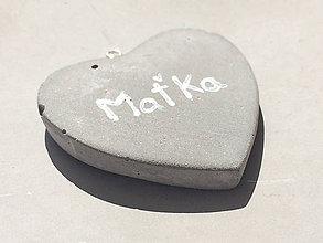 Náhrdelníky - Betónový náhrdelník HEART s menom - 8482960_