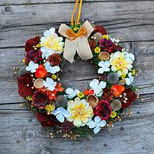 Dekorácie - Jesenný veniec s hruštičkami - 8487208_