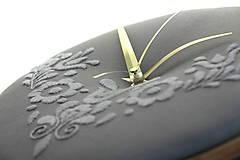 Hodiny - Slovak Love, ručne vyšívané nástenné hodiny - 8486394_
