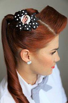 Ozdoby do vlasov - Pin Up sponka do vlasov (čierna/biele bodky) - 8487824_
