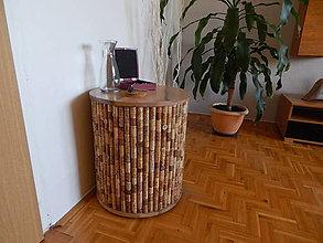Nábytok - Korkový stolík