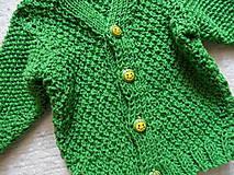 svetríček trávičkovej farby
