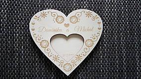 Prstene - Drevený podnos na obrúčky - spoločné srdce - ľudový motív - 8493629_