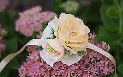 Náramky - Jemný romantický náramok pre družičky z ruží - 8499569_