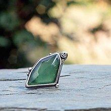 Prstene - Strieborný prsteň - Zelený vŕšok - 8501202_