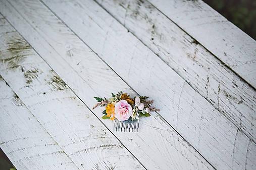 Kvetinový hrebienok