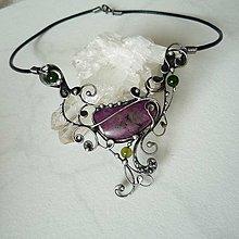 Náhrdelníky - Ve středu smyček - rubín,jadeity - 8503079_