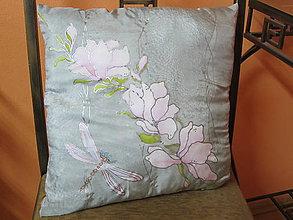 Úžitkový textil - Hodvábny vankúšik Romantická vážka - 8505467_