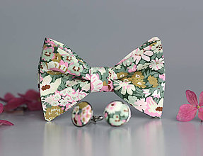 Doplnky - Svadobný kvetinový motýlik z exkluzívnej látky s manžetovými gombíkmi - 8504937_