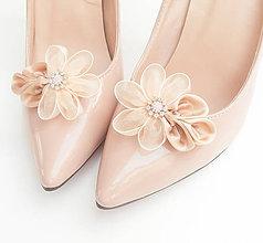 Obuv - Béžové (telové, zlaté, nude) kvetinové klipy na topánky s perličkami a štrasom - 8503031_