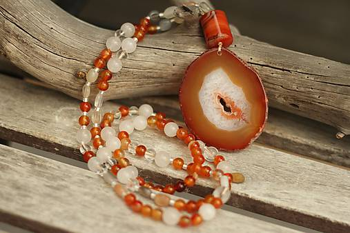 Náhrdelník z minerálov karneol, mesačný kameň