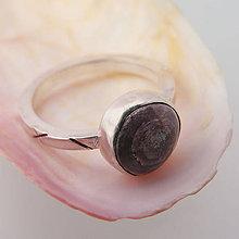 Prstene - Strieborný prsteň s asterickým rubínom - 8507133_
