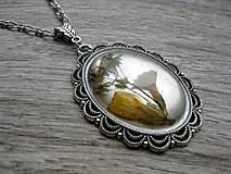 Náhrdelníky - Ozdobný náhrdelník s kvetmi č.1220 - 8506730_