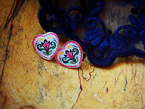 Náušnice - Srdiečka s folklórnym kvietkom v ružovom - 8510510_