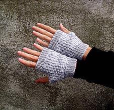 Rukavice - Sivé rukavice s jemným vzorom - 8512910_