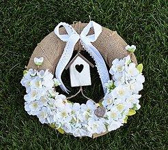 Dekorácie - venček jutový s kvetmi čerešne - 8513303_
