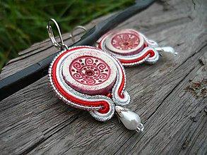 Náušnice - Soutache náušnice FOLK ornamentky červeno-biele - 8517058_