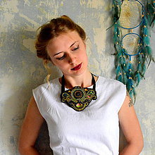 Náhrdelníky - Green Secession - sutaškový náhrdelník - 8517137_