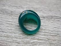 Prstene - Zelený živicový prsteň 17mm č.1236 - 8518708_