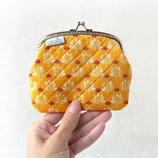 Peňaženky - Peňaženka XL Geometria a kvietky na žltej - 8517575_
