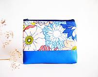 Taštičky - Kozmetická taška veľká - kvety s modrou - 8522290_