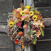 Dekorácie - Jesenný venček na dvere - 8523804_