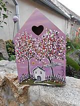 V dome lásky