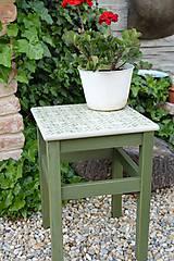 Nábytok - Taký vidiecky stolík v zelenom - 8522692_