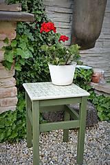 Nábytok - Taký vidiecky stolík v zelenom - 8522694_