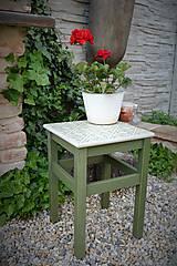 Nábytok - Taký vidiecky stolík v zelenom - 8522696_